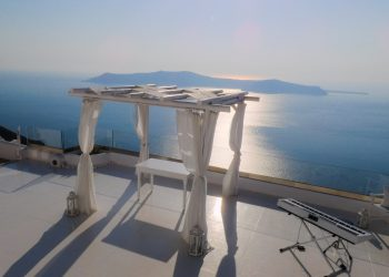 Wedding musician in Greece - Wedding at Santorini